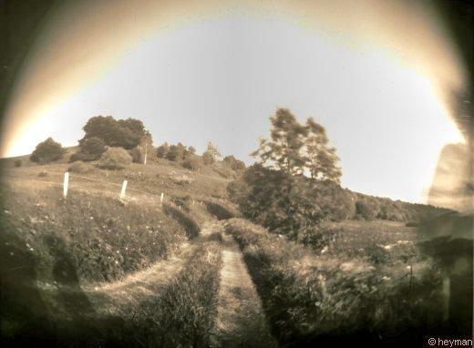 Chemin sur le plateau de montsec