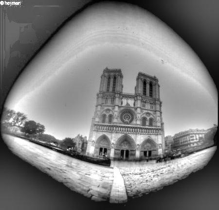 L'église Notre Dame c'est à Paris